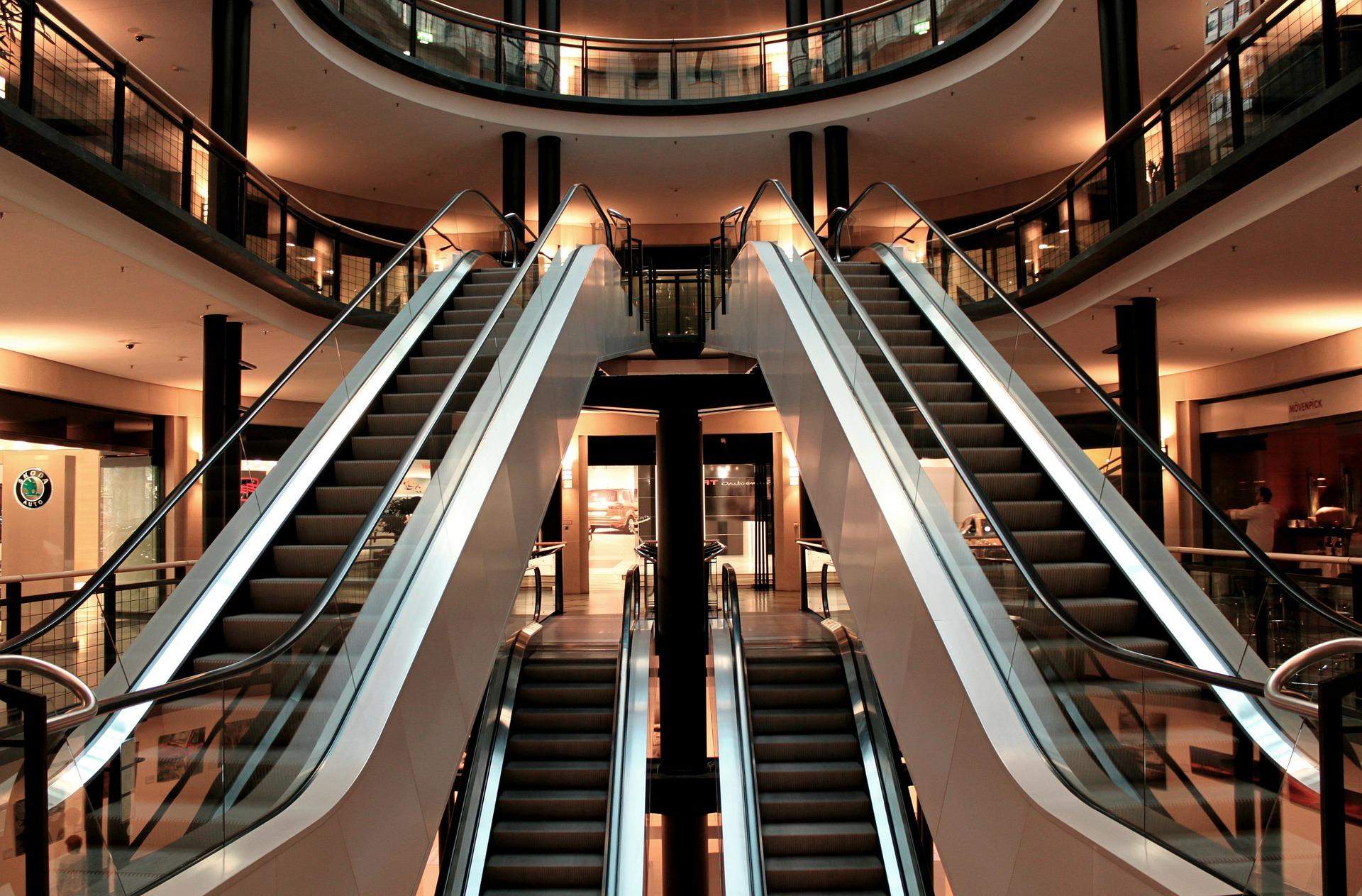Centri commerciali scale mobili